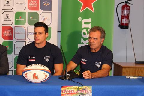 Treinador do Tupis palestra em clínica de rugby na Espanha